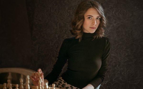 Femmes Top Model Top Modèls Woman Brune Echecs Fond d'écran HD   Image