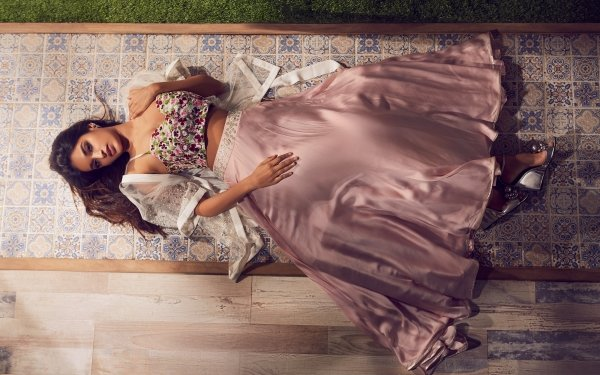 Celebrity Nidhhi Agerwal Actresses India Girl Indian Actress Bollywood Brunette Lying Down HD Wallpaper | Background Image
