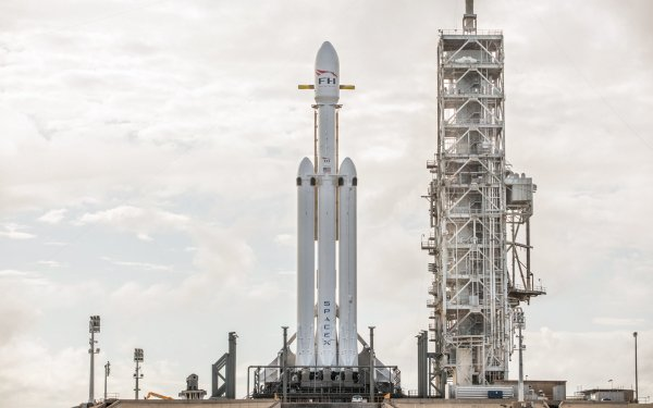 Technology SpaceX Falcon Heavy HD Wallpaper | Background Image