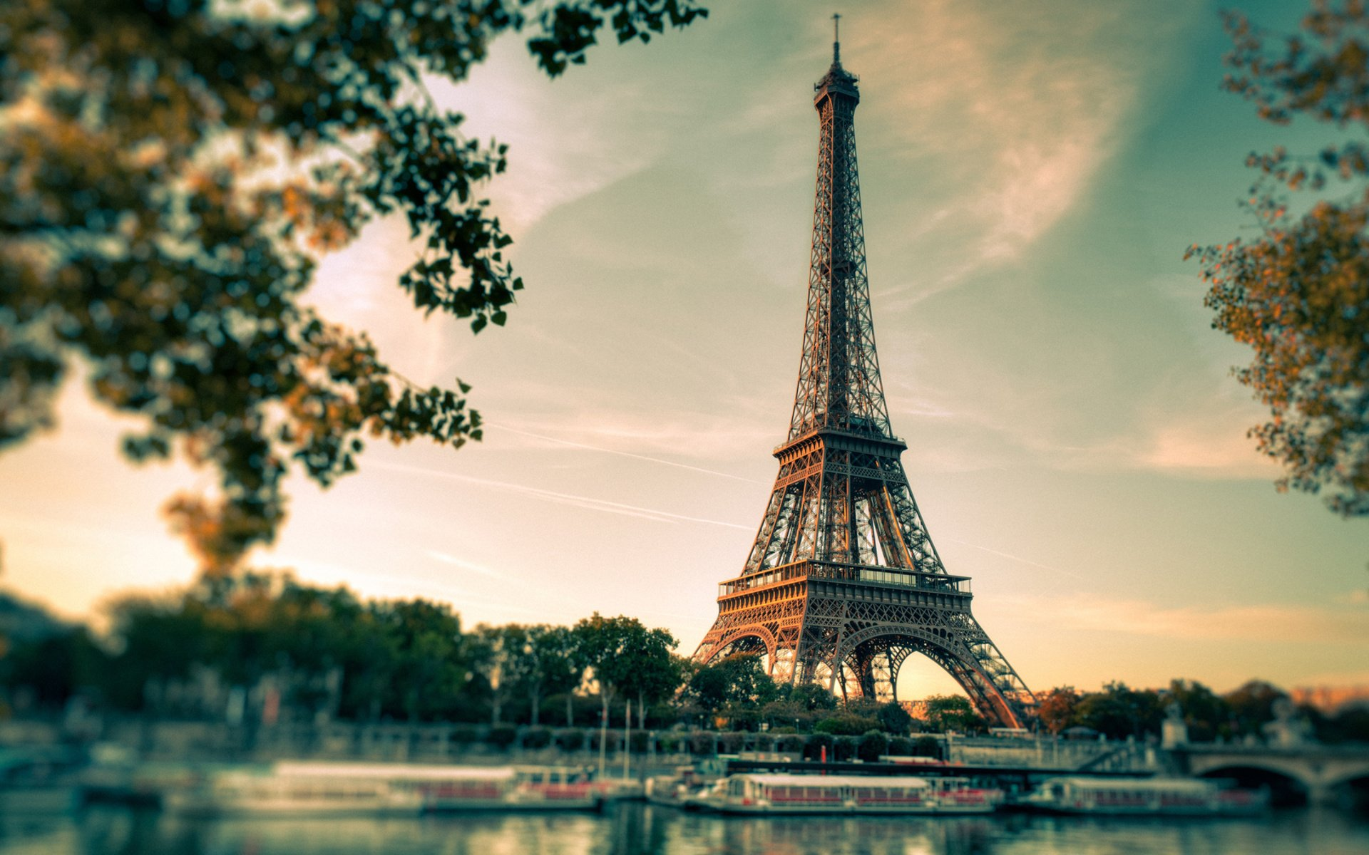 Eiffel Tower Hd Wallpaper Background Image 1920x1200 Id 284379