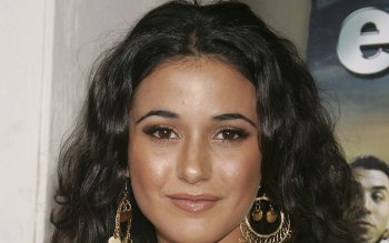 Celebridad - Emmanuelle Chriqui Wallpapers and Backgrounds ID : 296465