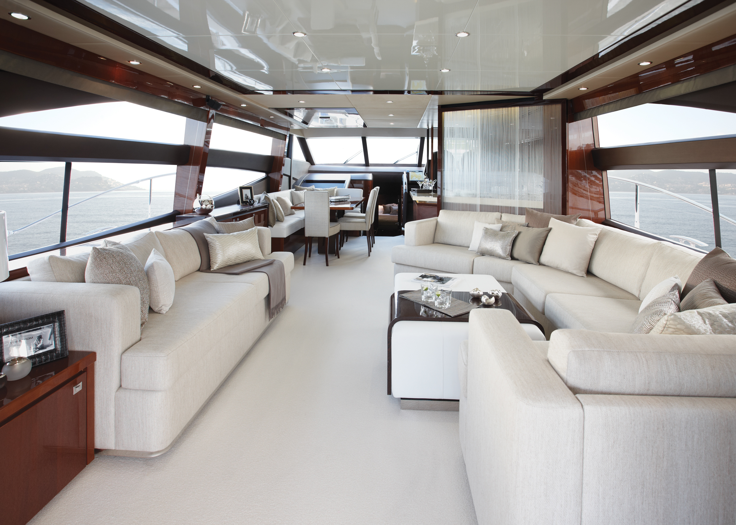 Yacht full hd fond d 39 cran and arri re plan 2362x1685 for Interieur yacht