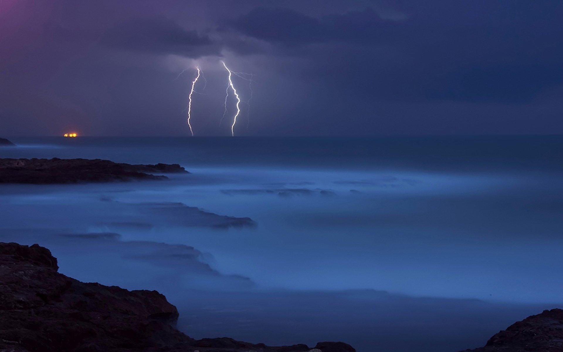 Photography - Lightning  Sea Ocean Night Light Cloud Wallpaper