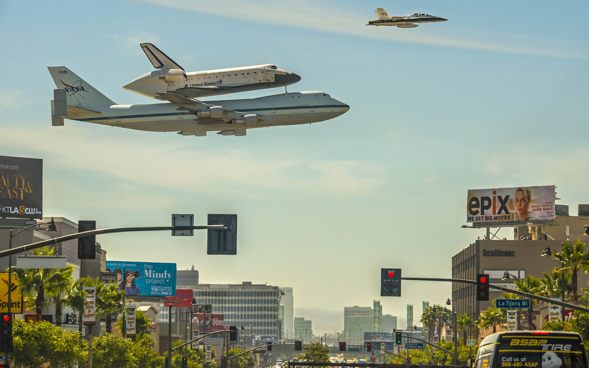 Vehicles - Space Shuttle Endeavour  Shuttle Airplane NASA Aircraft Jet Space Shuttle Wallpaper