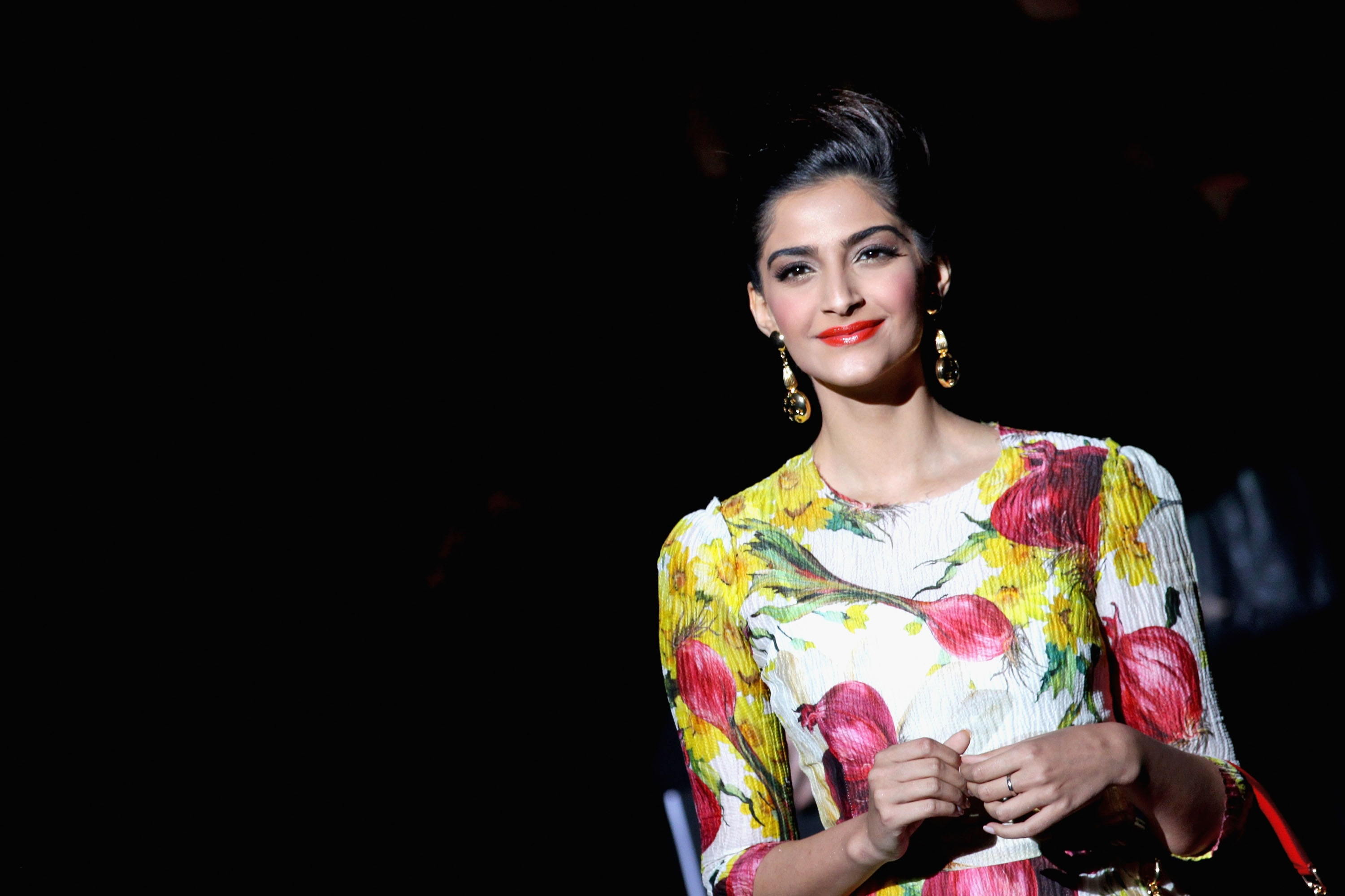 ... Wallpaper Abyss Everything Actresses From India Sonam Kapoor 311219