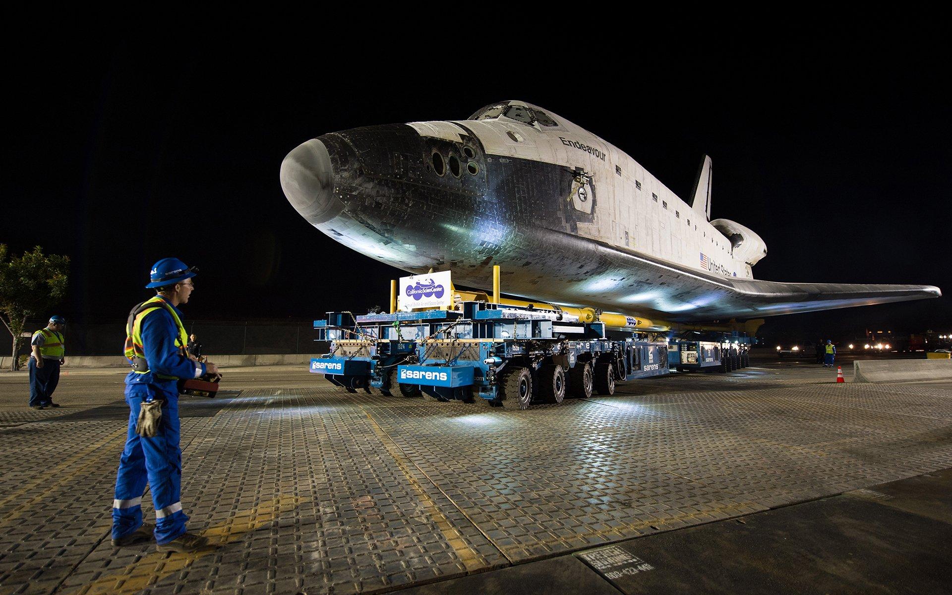 Vehicles - Space Shuttle Endeavour  Shuttle Airplane NASA Space Shuttle Wallpaper