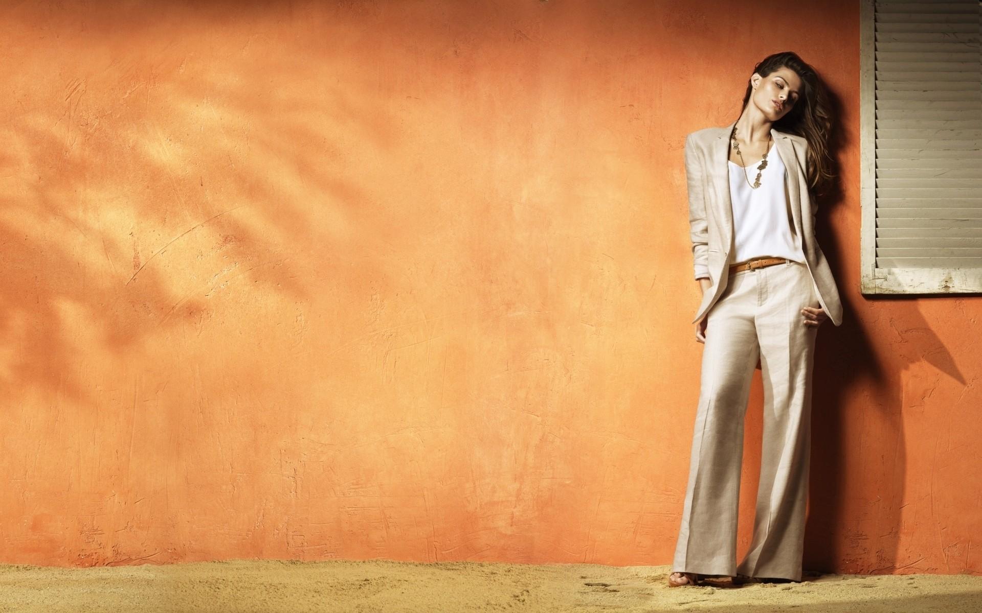 Isabeli Fontana HD Wallpaper | Background Image ...