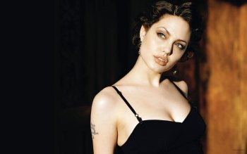 Celebrity - Angelina Jolie Wallpapers and Backgrounds ID : 322825