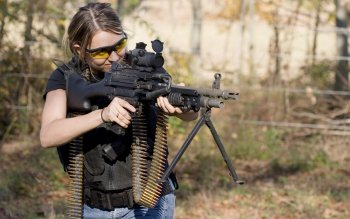 Women - Women & Guns Wallpapers and Backgrounds ID : 322949