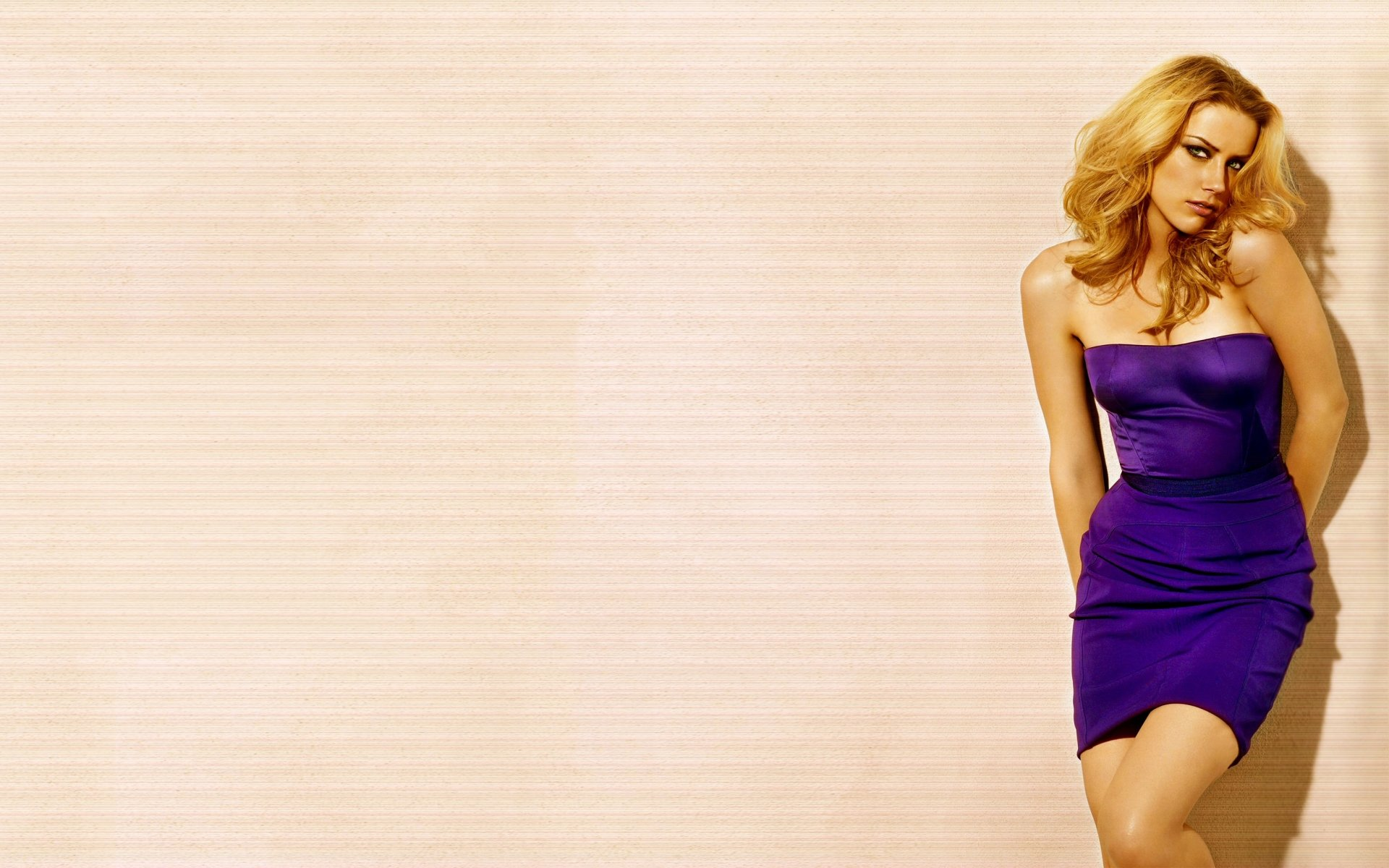 Celebrity - Amber Heard  Purple Blonde Wallpaper