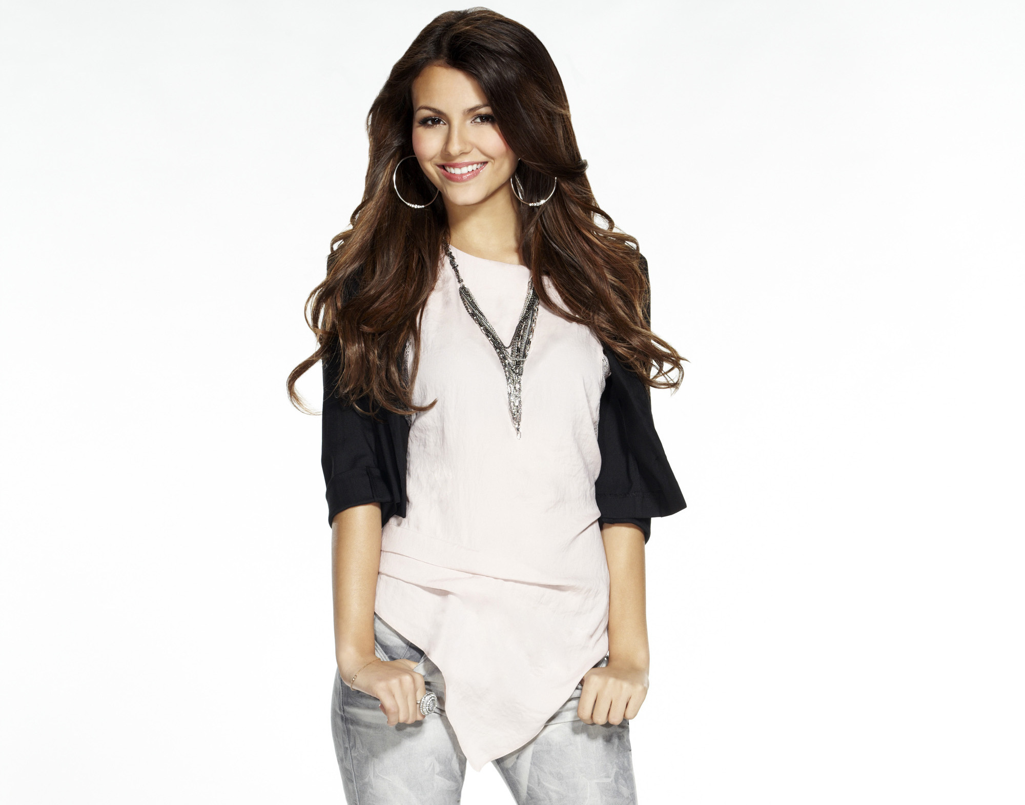 Victoria Justice Full HD Wallpaper And Background Image
