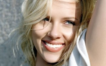 Berühmte Personen - Scarlett Johansson Wallpapers and Backgrounds ID : 341855