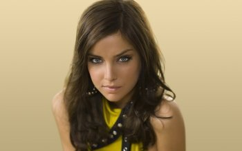 Berühmte Personen - Jessica Stroup Wallpapers and Backgrounds ID : 350697