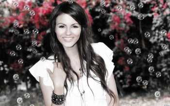 Celebrity - Victoria Justice Wallpapers and Backgrounds ID : 359845