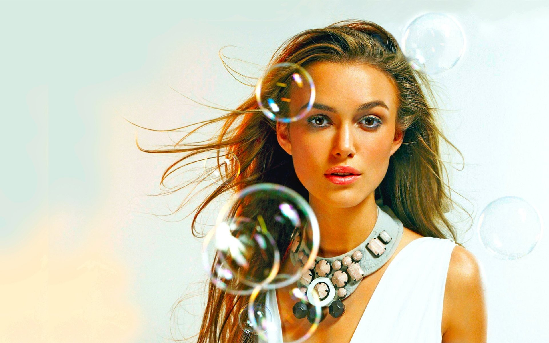 Celebrity - Keira Knightley  Face Wallpaper