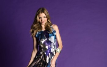 Celebrity - Miranda Kerr Wallpapers and Backgrounds ID : 375813