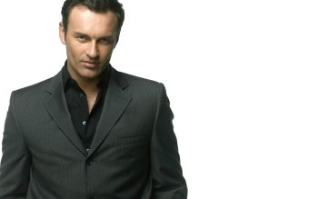 Celebrity - Julian Mcmahon Wallpapers and Backgrounds ID : 377248