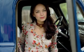 Berühmte Personen - Kristin Kreuk Wallpapers and Backgrounds ID : 385116