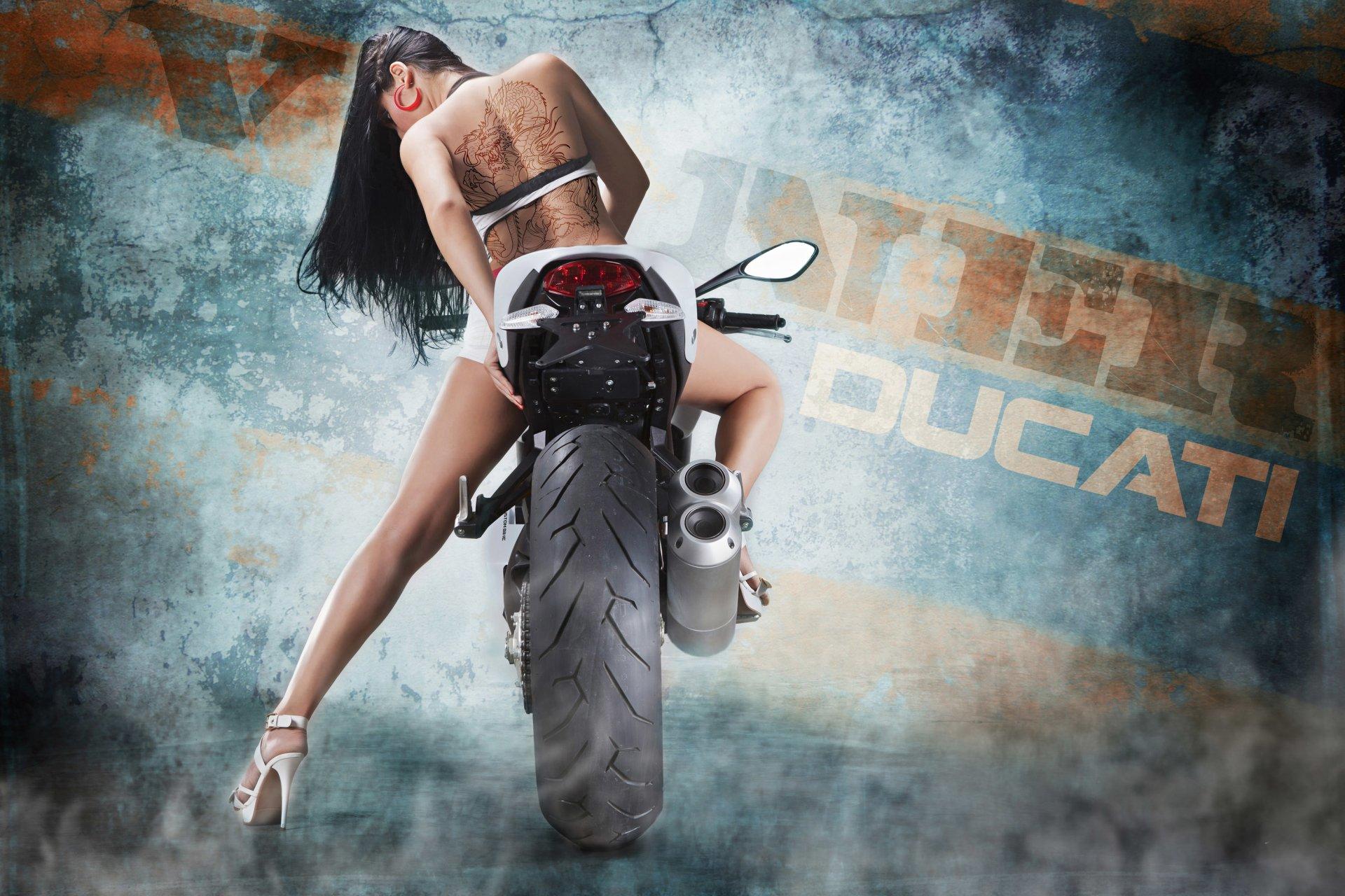 座驾 - Ducati Monster 1100 Evo Bulgari  摩托车 壁纸