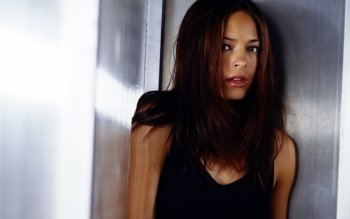 Berühmte Personen - Kristin Kreuk Wallpapers and Backgrounds ID : 402719