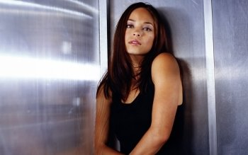 Celebrity - Kristin Kreuk Wallpapers and Backgrounds ID : 402720