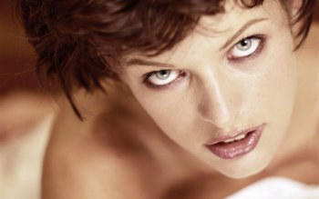 Celebrity - Milla Jovovich Wallpapers and Backgrounds ID : 405790