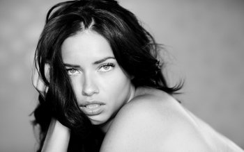 Celebrity - Adriana Lima Wallpapers and Backgrounds ID : 409865