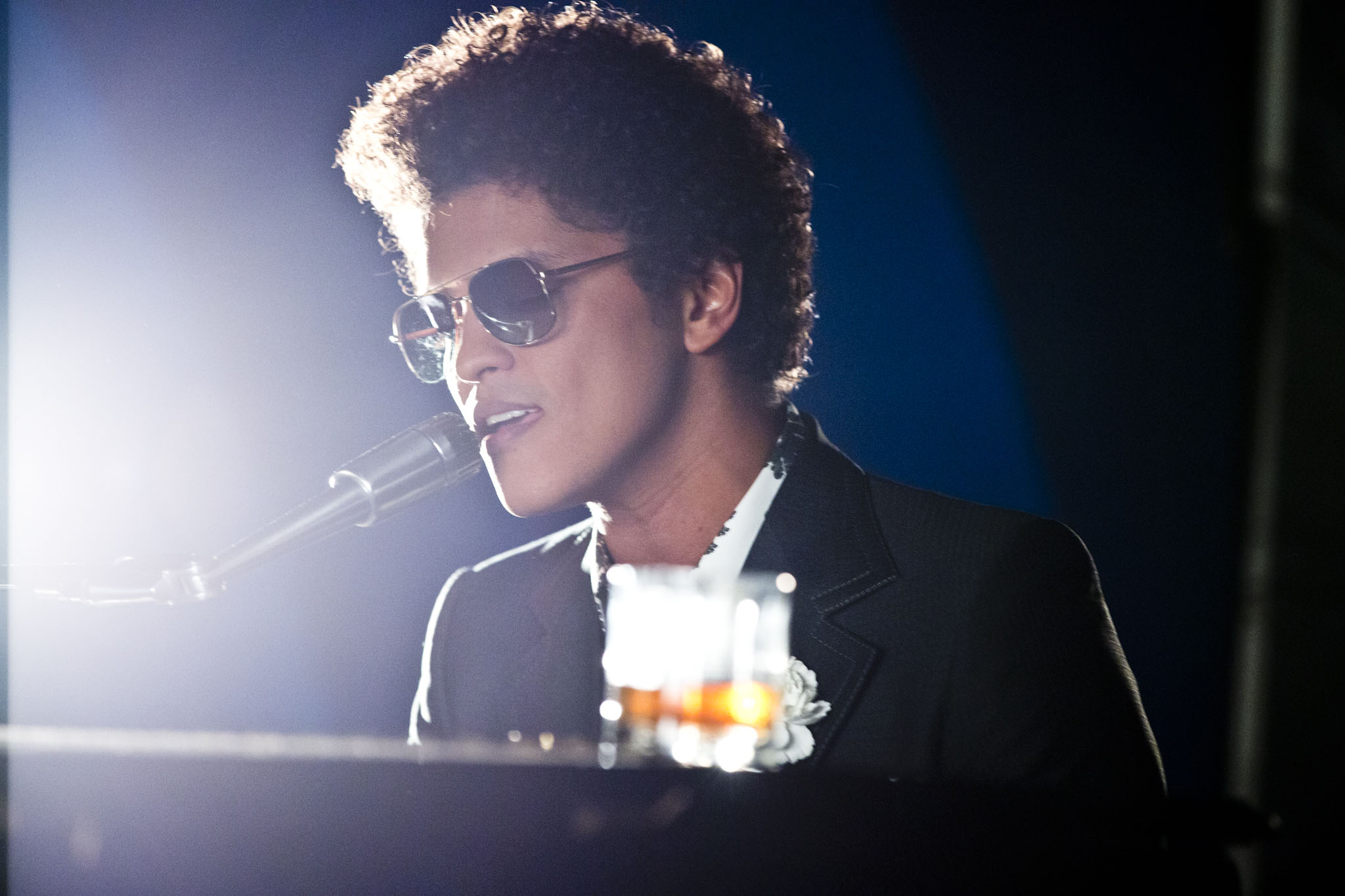 Bruno Mars HD Wallpaper