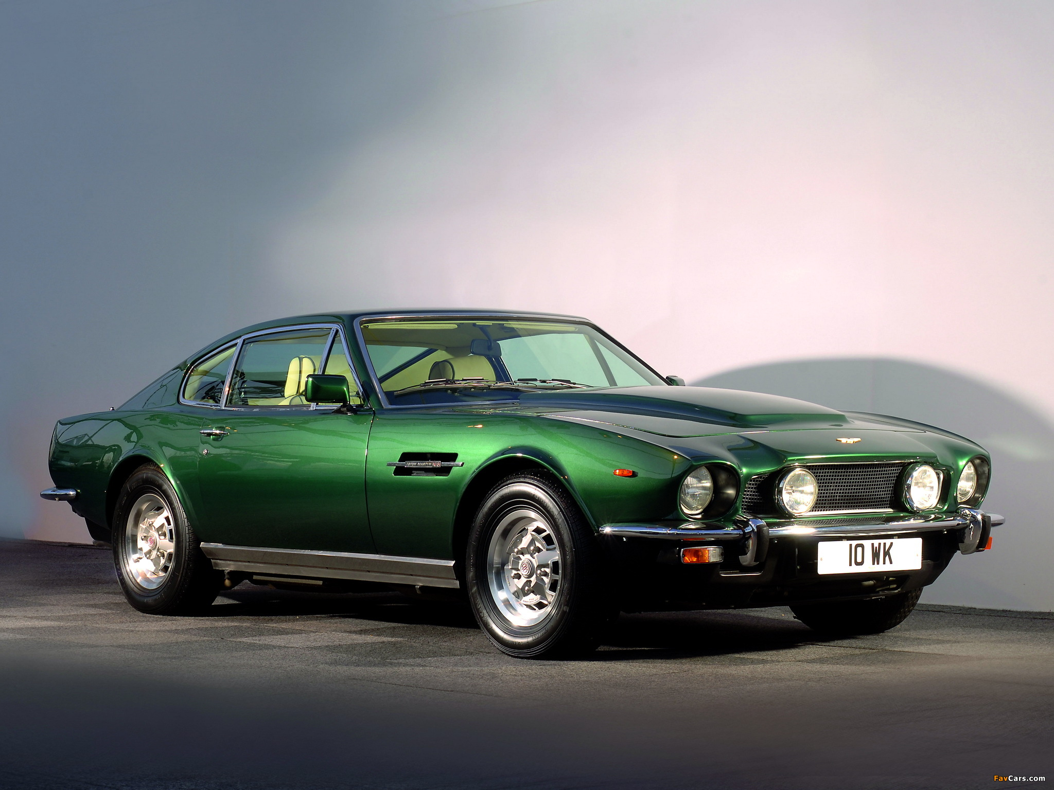 103 Aston Martin V8 Vantage HD Wallpapers | Background Images ...