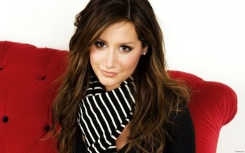 Berühmte Personen - Ashley Tisdale Wallpapers and Backgrounds ID : 419554