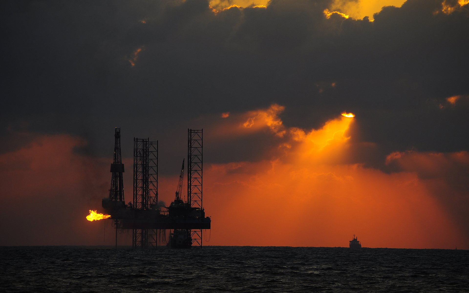 Oil Platform Hd Wallpaper Background Image 1920x1200