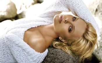 Celebrity - Charlize Theron Wallpapers and Backgrounds ID : 442104