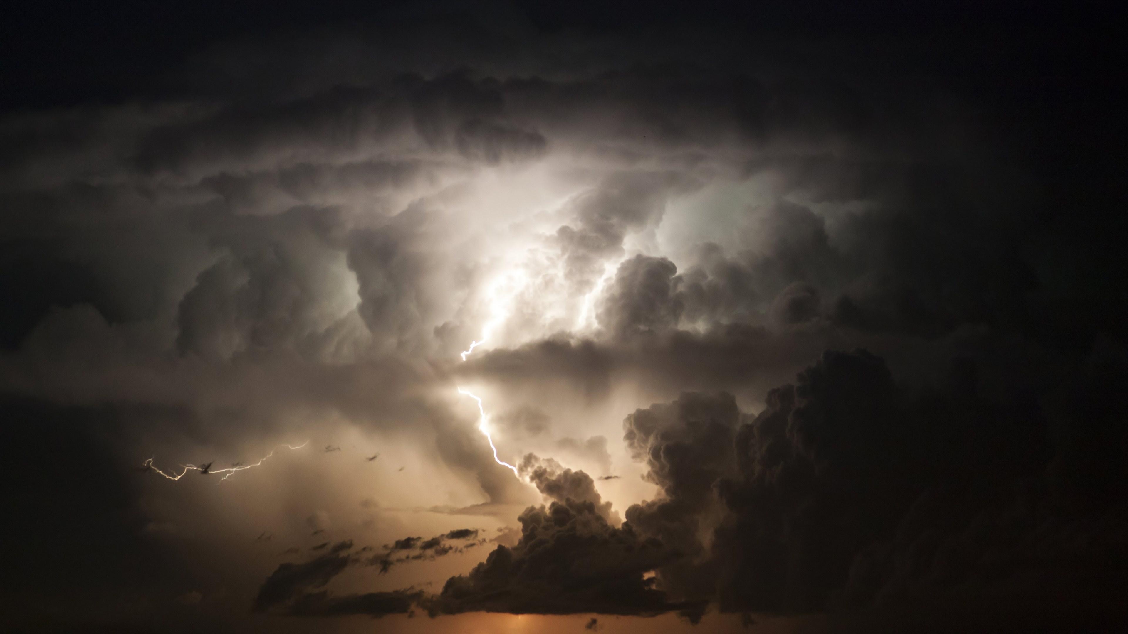 White Clouds In The Sky 4k Hd Desktop Wallpaper For 4k: Lightning 4k Ultra HD Wallpaper