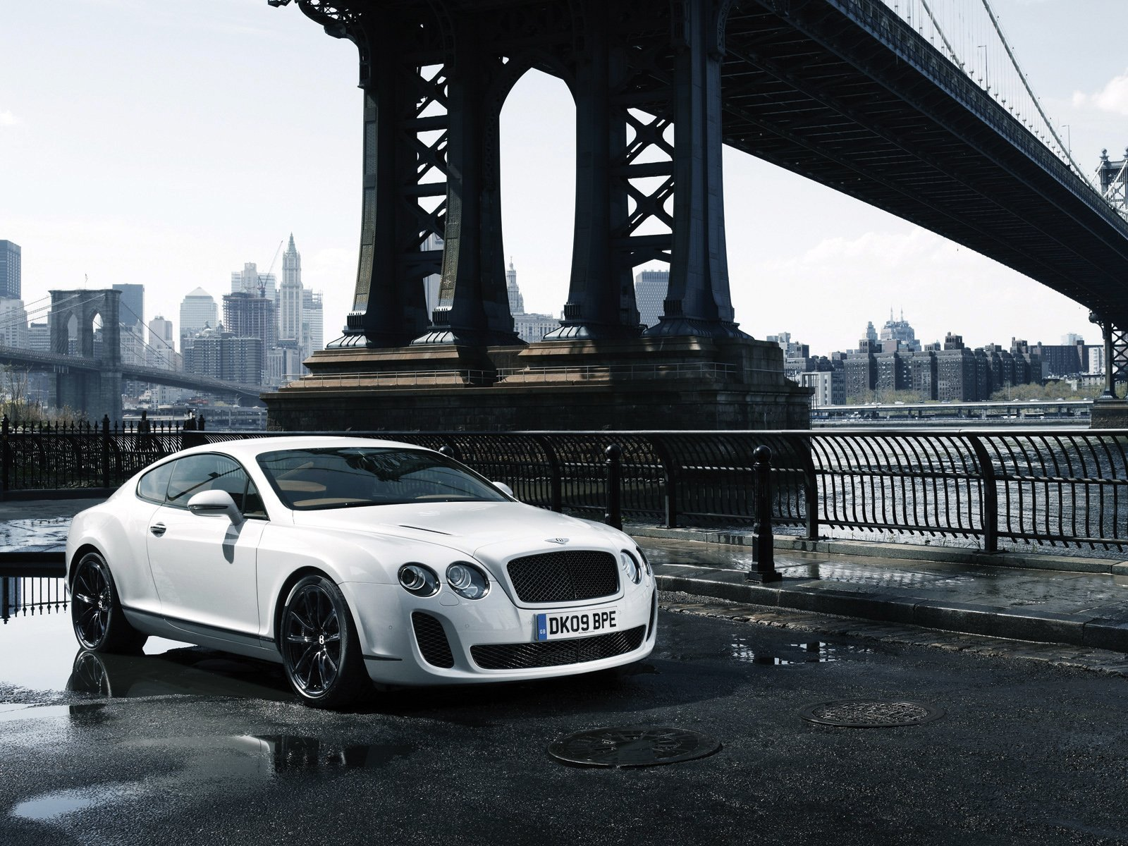 174 Bentley Continental Gt Hd Wallpapers Background Images Wallpaper Abyss
