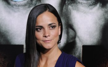 Celebridad - Alice Braga Wallpapers and Backgrounds ID : 487451