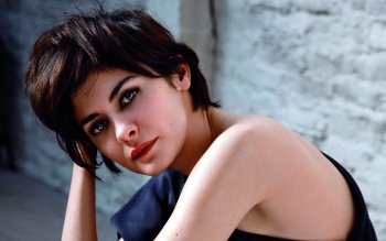 Celebrity - Audrey Tautou Wallpapers and Backgrounds ID : 488333