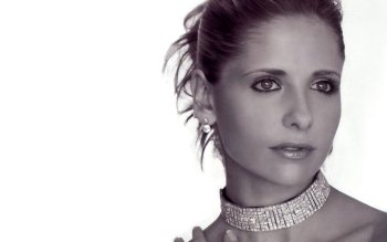 Celebrity - Sarah Michelle Gellar Wallpapers and Backgrounds ID : 495688