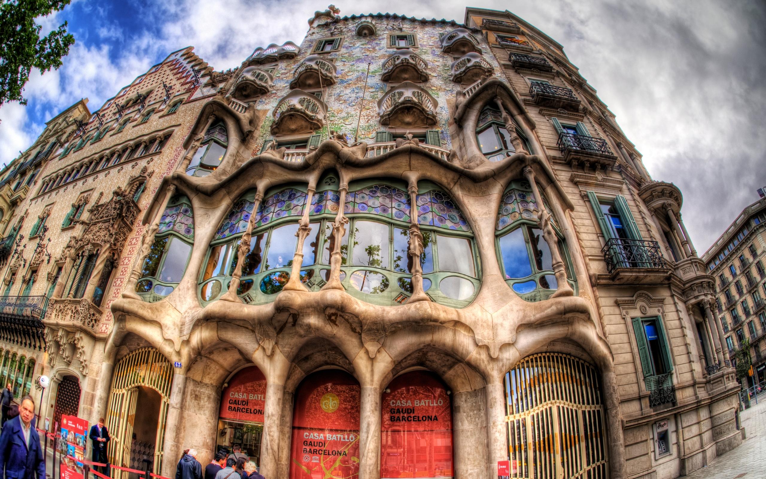 Casa Batllo In Barcelona Full HD Wallpaper And Background Image
