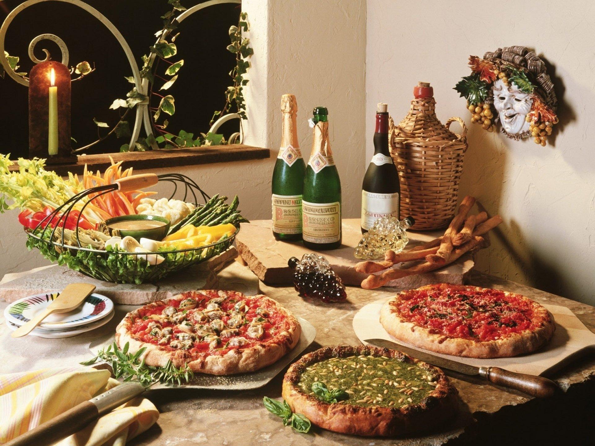 Food - Pizza  Food Italian Wine Meal Lunch Vegetable Wallpaper