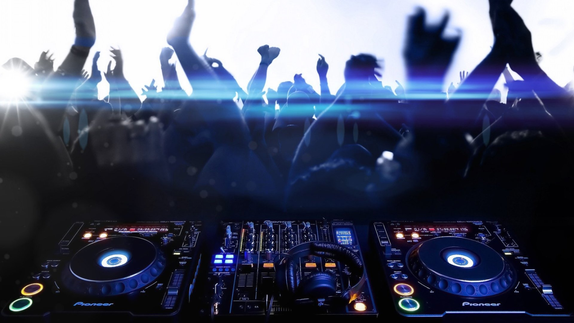 Music - DJ  Music Headphones Dance Dancing People Wallpaper