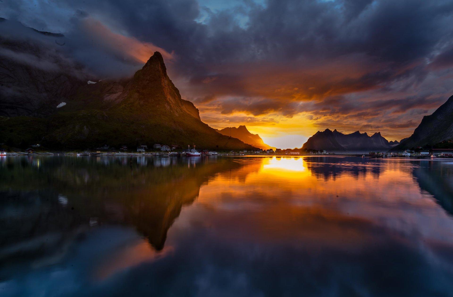 Midnight sun in artic hd wallpaper background image 2048x1343 id 570796 wallpaper abyss - Midnight wallpaper hd ...