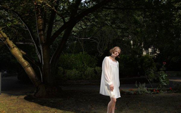 Celebrity Chloë Grace Moretz Actresses United States HD Wallpaper   Background Image