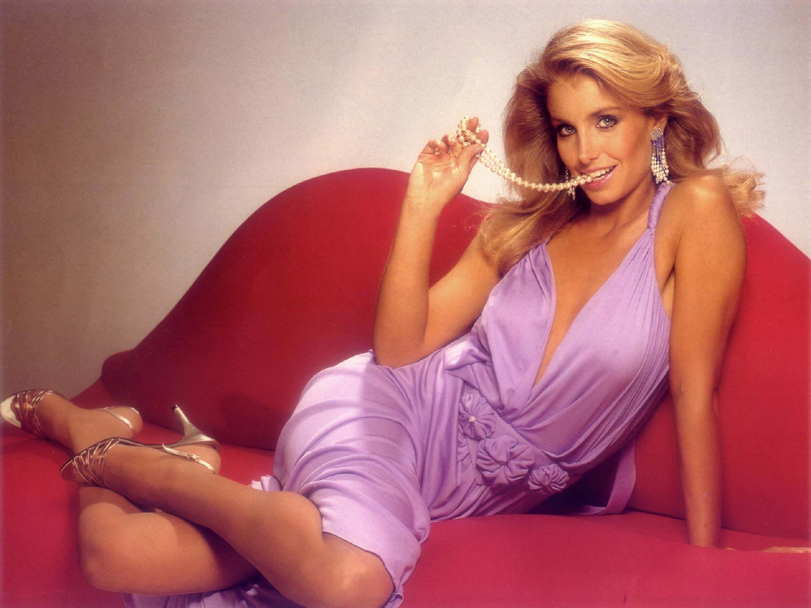 Heather Thomas Wallpaper and Background Image | 1600x1200