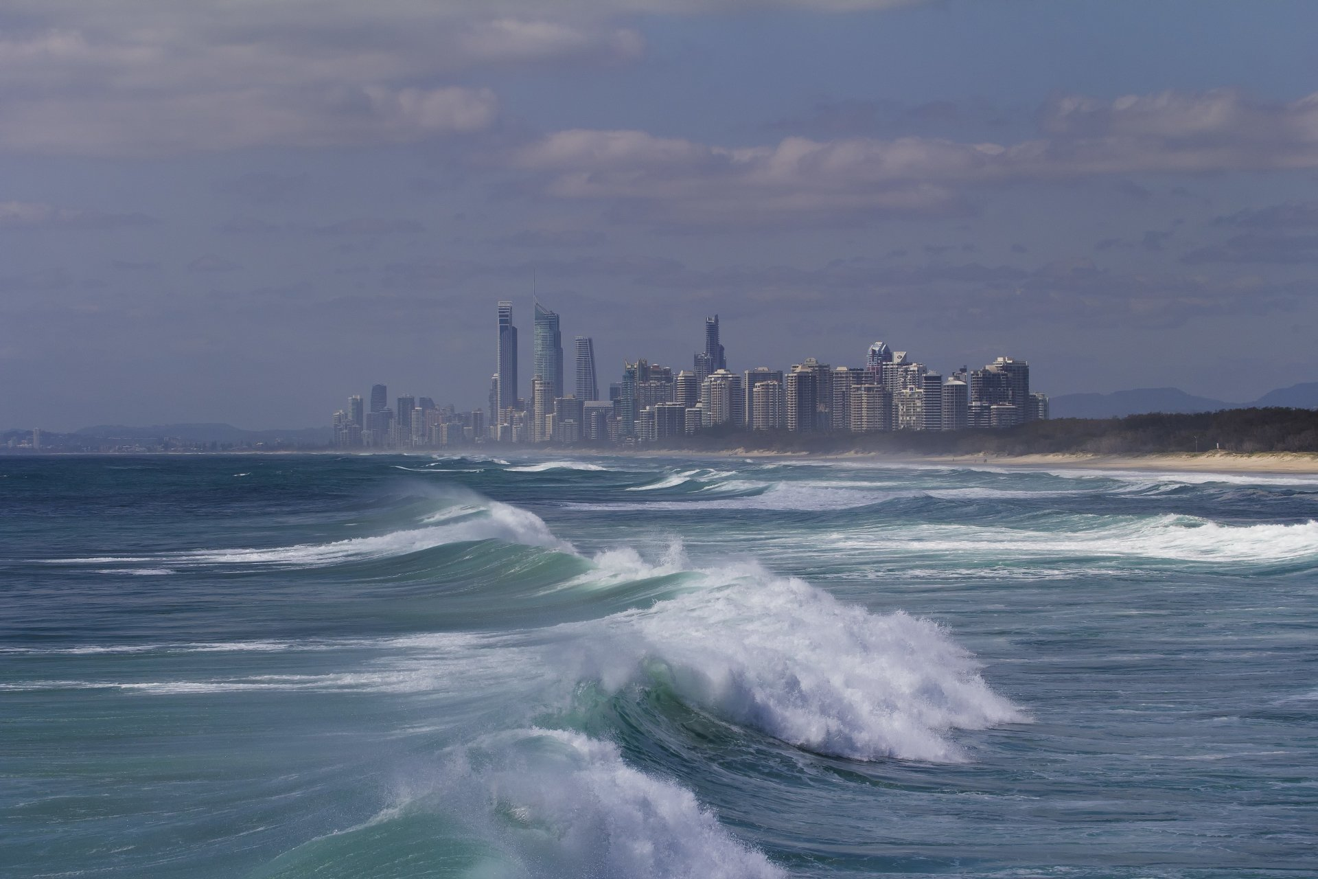 Man Made - Gold Coast  Coastline Ocean Sea Australia Queensland Wave Wallpaper