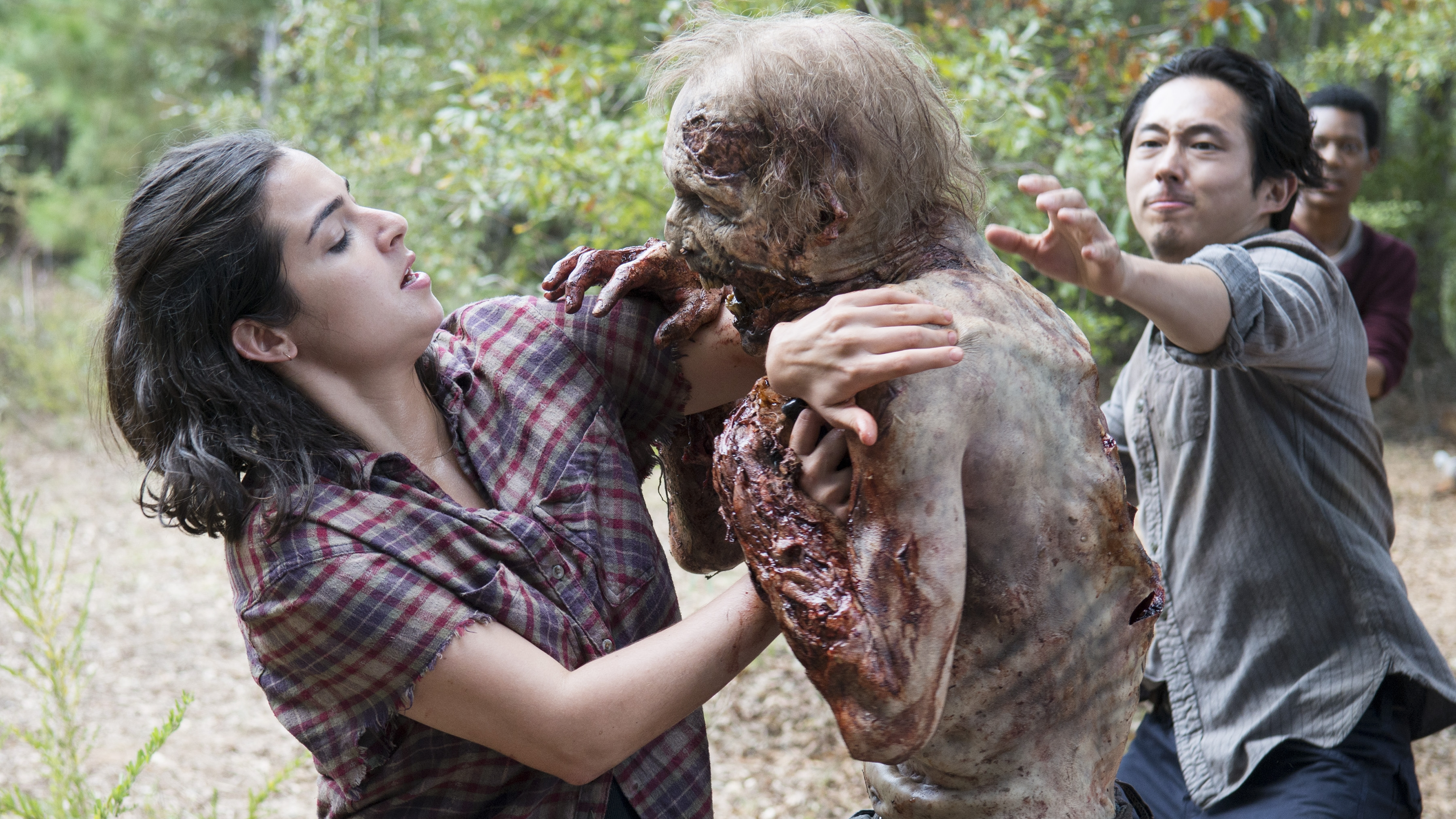 walking dead maggie and glenn dating in real life The walking dead: lauren cohan talks maggie's  and why she and husband glenn  good news for the maggie enthusiasts of the walking dead.
