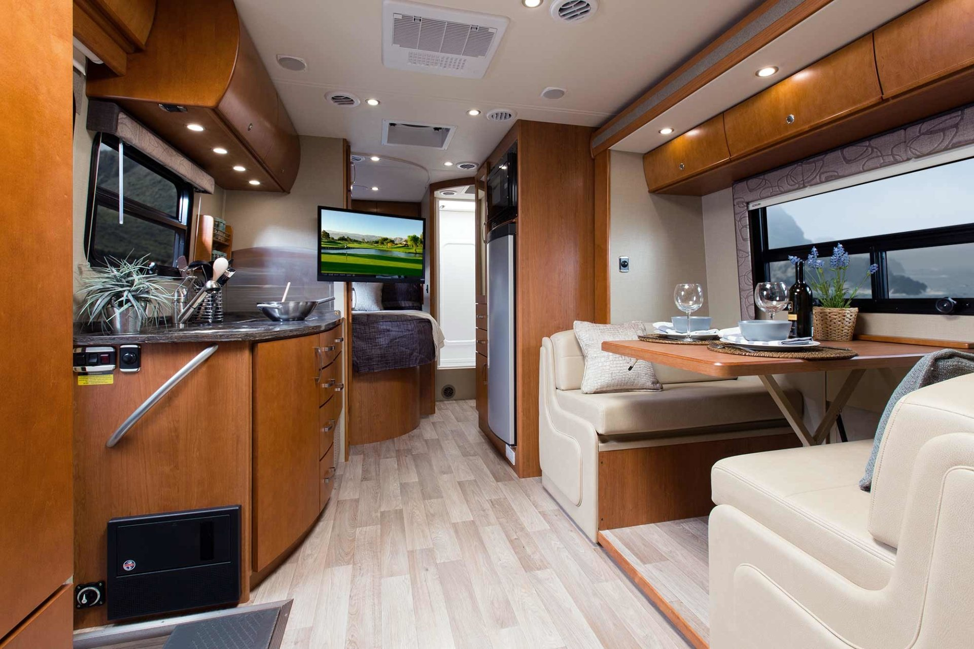Mercedes Benz Sprinter Interior Full Hd Wallpaper And Background Image 2000x1333 Id 644091