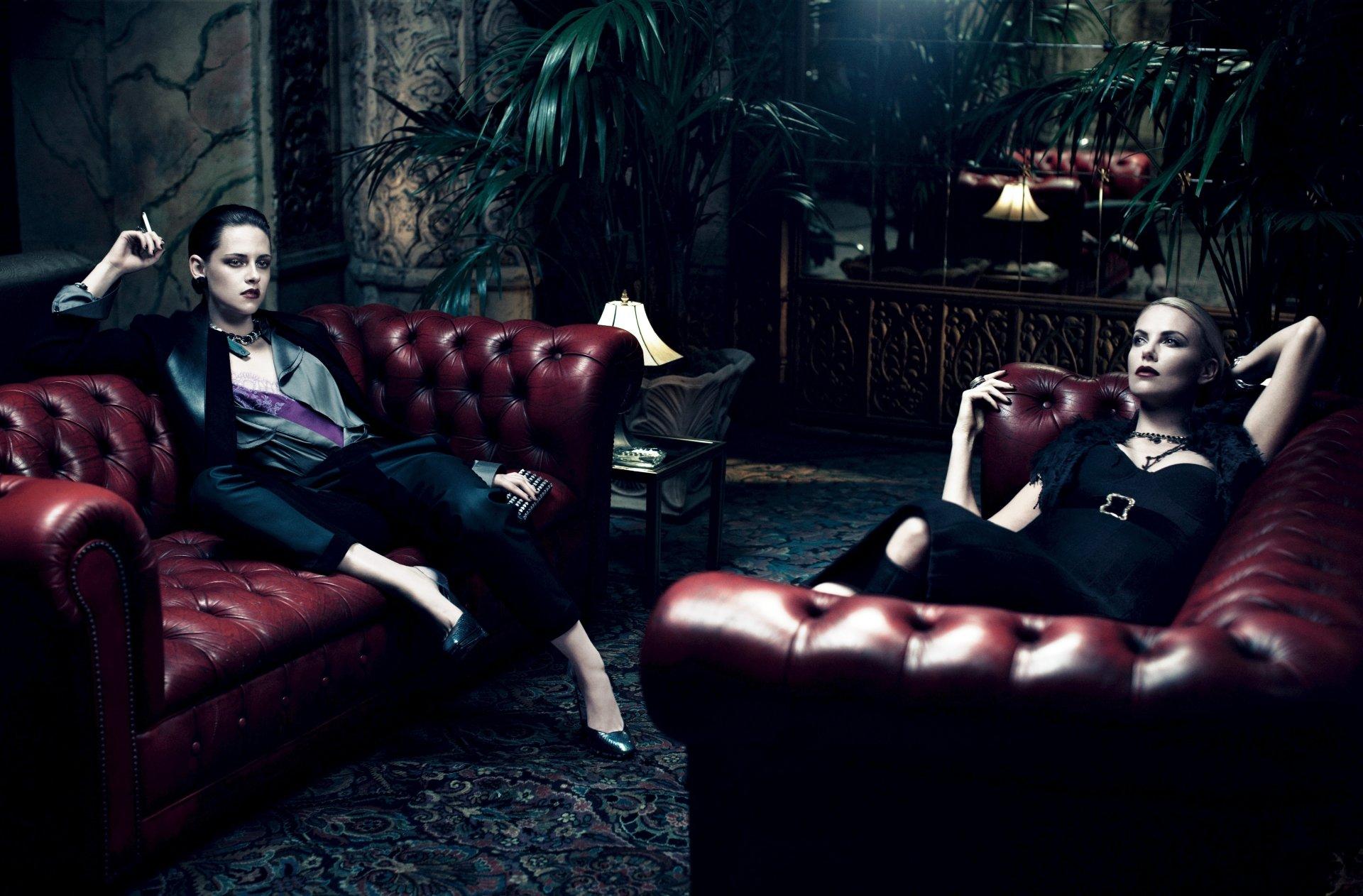 Berühmtheiten - Schauspieler  Kristen Stewart Charlize Theron Wallpaper