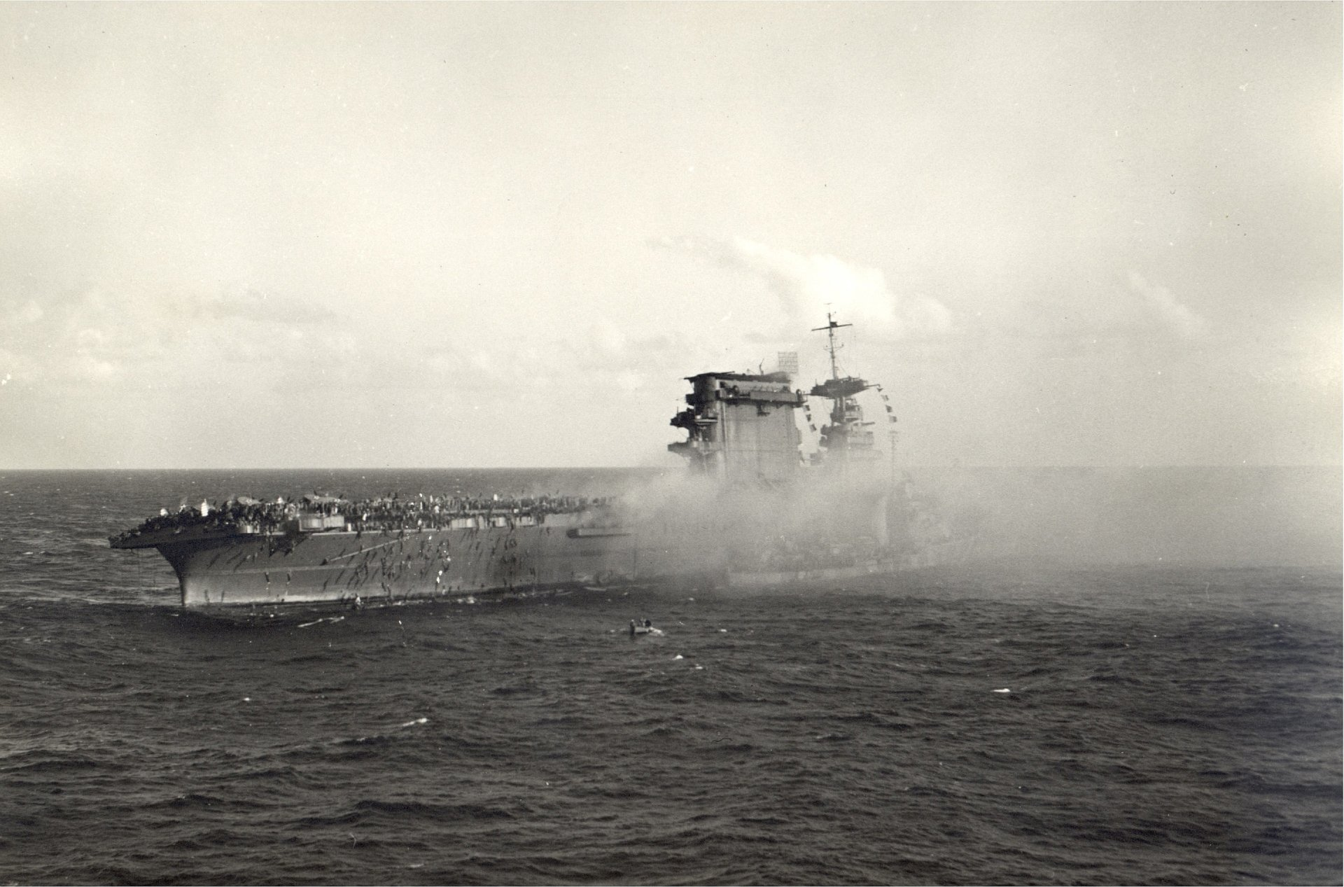 uss lexington at the battle of the coral sea fond d u0026 39  u00e9cran
