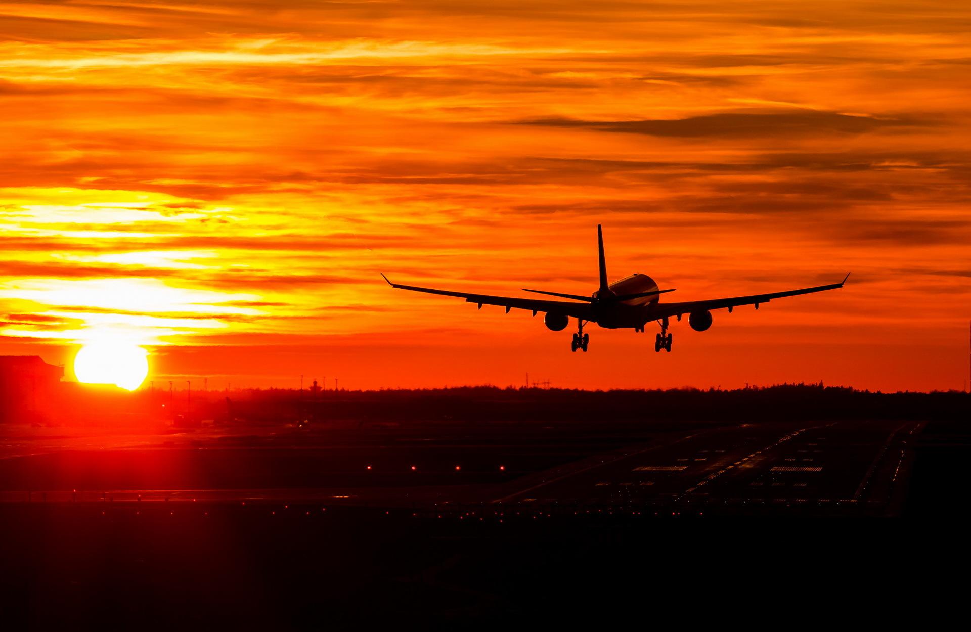 Helsinki Airport, Finnair Airbus A330-300 OH-LTU arriving ...