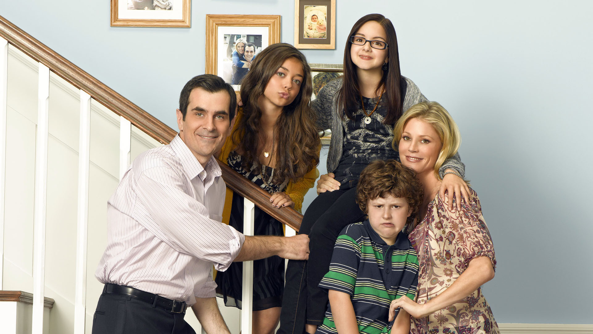 modern family full hd wallpaper and background image